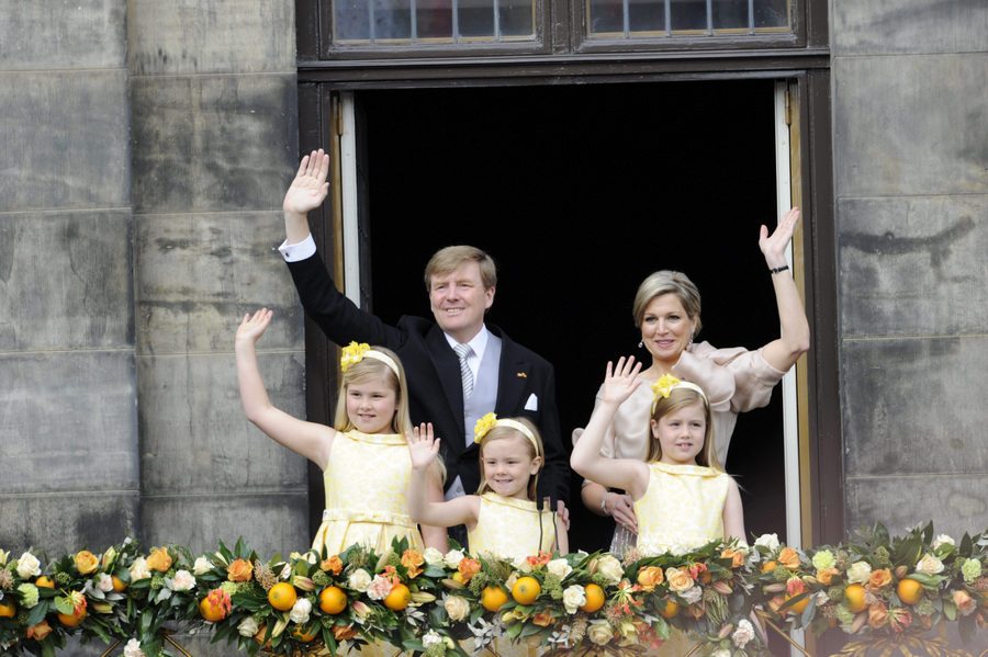 Церемония передачи королевской власти Виллему-Александру в Нидерландах (9 фото)