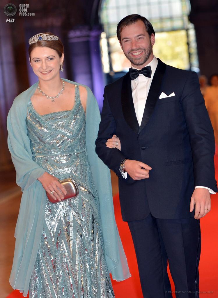 Нидерланды. Амстердам. 29 апреля. Наследный Великий Герцог Люксембурга Гийом с супругой Стефанией. (EPA/ИТАР-ТАСС/Britta Pedersen)