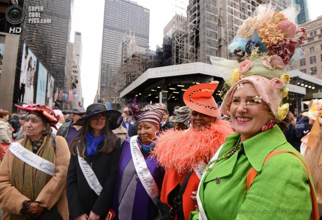 Пасхальный парад в Нью-Йорке, США. (EPA/PETER FOLEY)