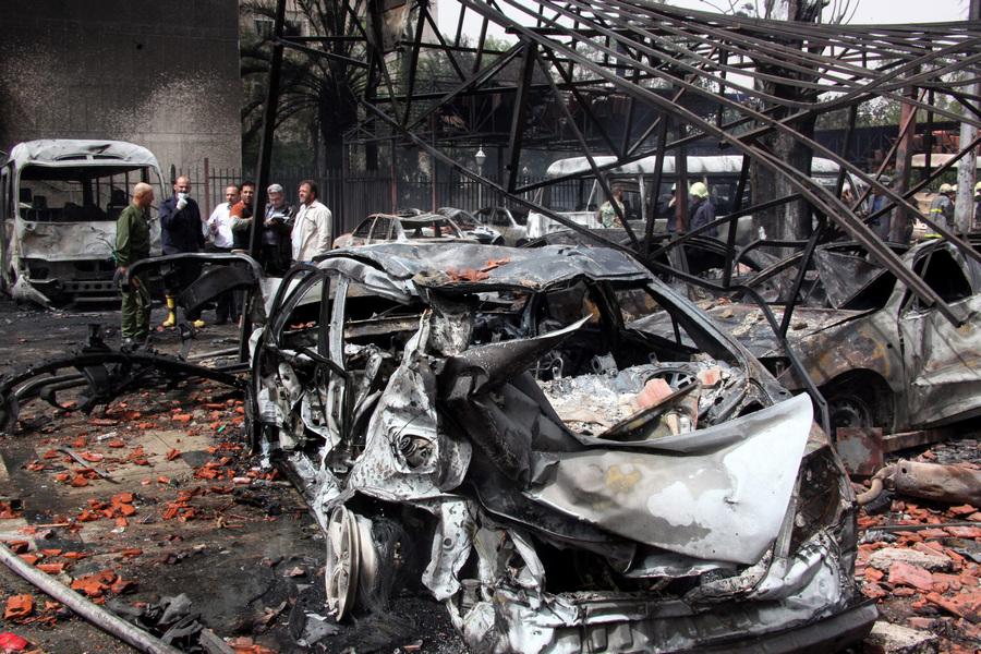 Подрыв автомобиля в центре Дамаска (9 фото + видео)