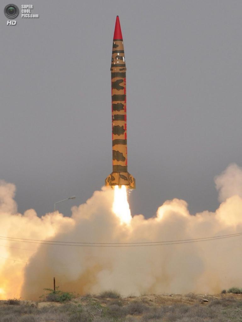 Пакистан. 9 апреля. Испытания баллистической ракеты «Хатф-4». (EPA/ИТАР-ТАСС/INTER SERVICES PUBLIC RELATIONS)