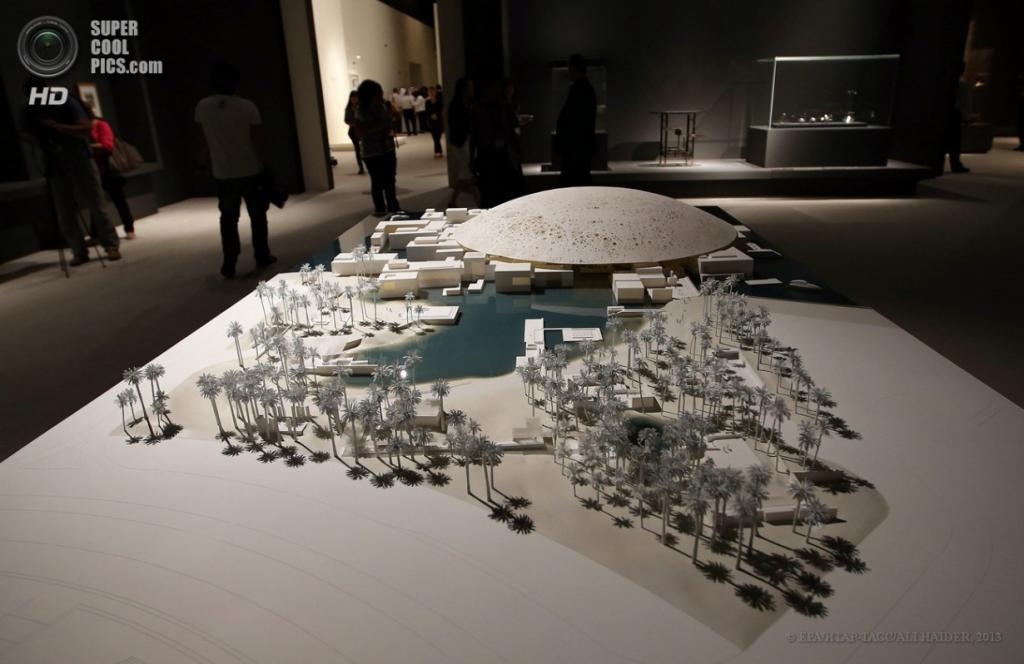 ОАЭ. Абу-Даби. 16 апреля. Макет филиала Лувра в Абу-Даби. (EPA/ИТАР-ТАСС/ALI HAIDER)