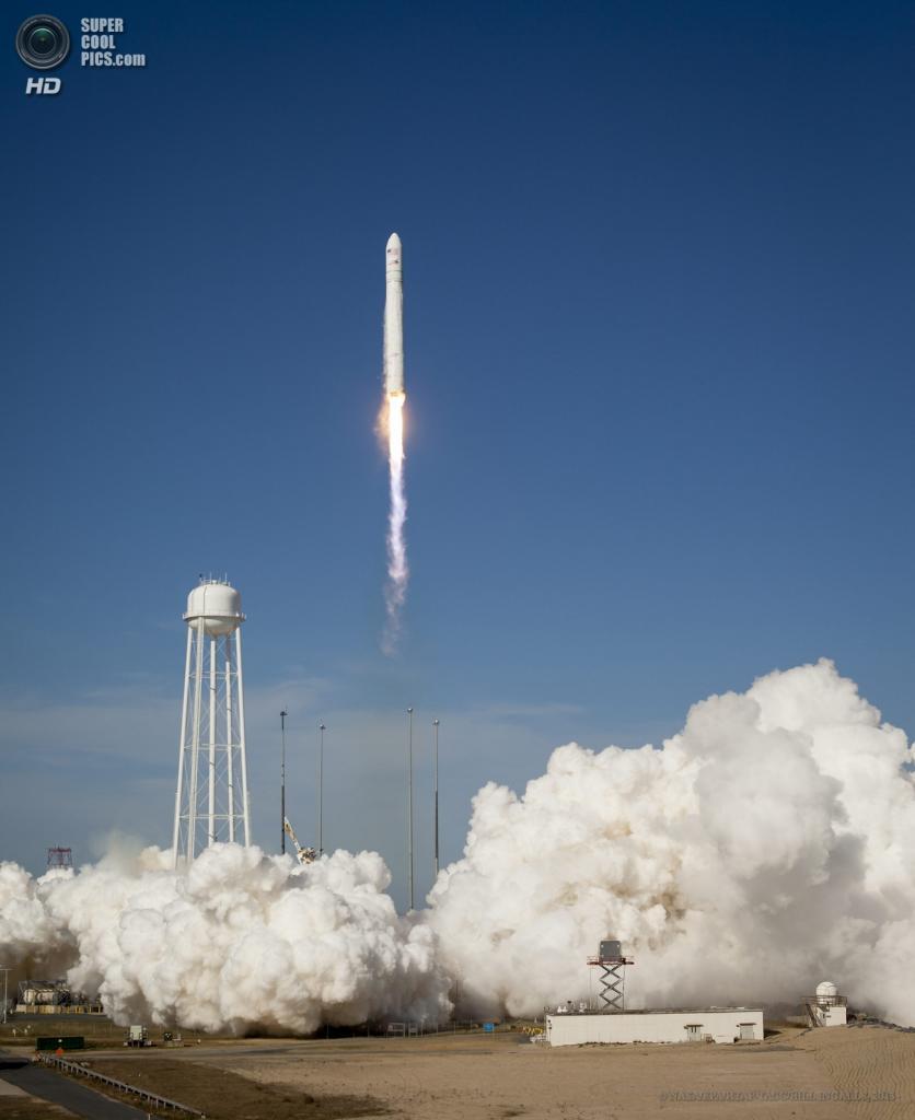 США. Уоллопс, Вирджиния. 21 апреля. Испытательный запуск одноразовой ракеты-носителя «Антарес». (NASA/EPA/ИТАР-ТАСС/BILL INGALLS)