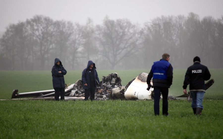 В результате крушения самолета в Германии погибли 4 человека
