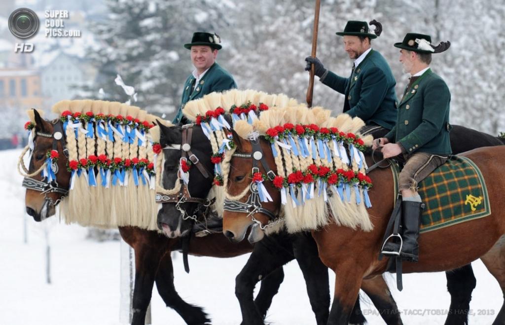 Германия. Траунштайн, Бавария, 1 апреля. Баварский конный парад в честь Святого Георгия. (EPA/ИТАР-ТАСС/TOBIAS HASE)