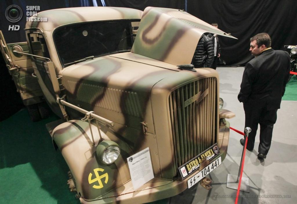 Украина. Киев. 12 апреля. Opel Blitz 1944 г.в. на выставке VII Retro & Exotica Motor Show. (EPA/ИТАР-ТАСС/SERGEY DOLZHENKO)