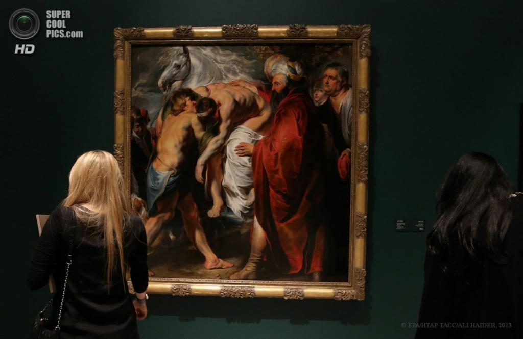 ОАЭ. Абу-Даби. 16 апреля. Картина «Добрый самаритянин» фламандского художника Якоба Йорданса. (EPA/ИТАР-ТАСС/ALI HAIDER)