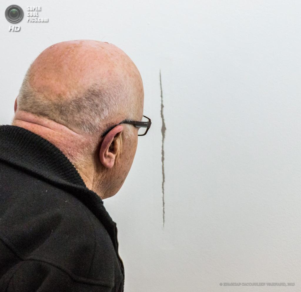 Бельгия. Брюссель. 18 апреля. Выставка работ Джейкоба Уибли. (EPA/ИТАР-ТАСС/JULIEN WARNAND)