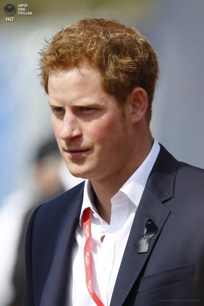 Англия. Лондон. 21 апреля. Принц Гарри на церемонии награждения. (EPA/ИТАР-ТАСС/TAL COHEN)