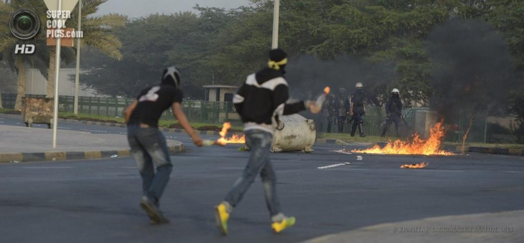 Бахрейн. Дираз. 1 апреля. Протесты против произвола полиции. (EPA/ИТАР-ТАСС/MAZEN MAHDI)