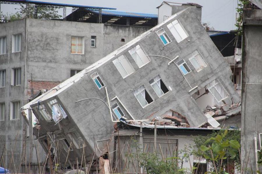 Жизнь после землетрясений в провинции Сычуань (14 фото)