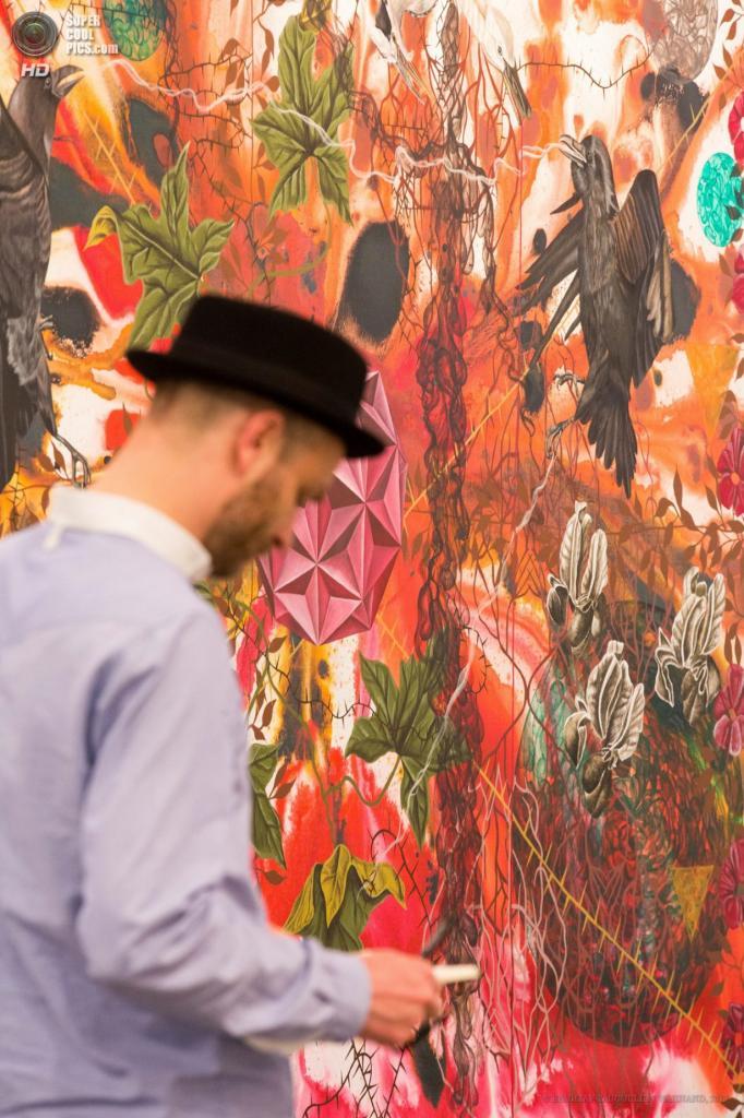 Бельгия. Брюссель. 18 апреля. Выставка работ Джеймса Олдриджа. (EPA/ИТАР-ТАСС/JULIEN WARNAND)