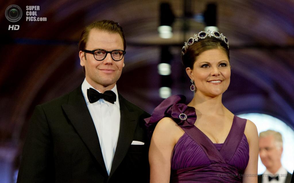 Нидерланды. Амстердам. 29 апреля. Кронпринцесса Швеции Виктория с супругом Даниэлем. (EPA/ИТАР-ТАСС/ROBIN UTRECHT)