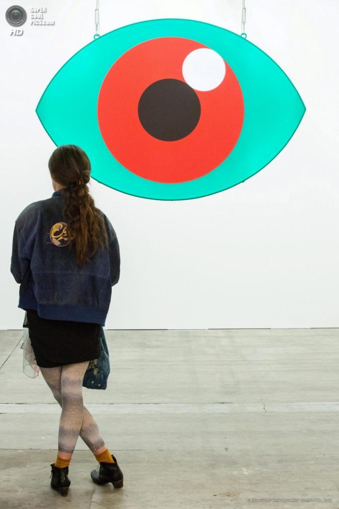 Бельгия. Брюссель. 18 апреля. Выставка работ Боя Вереккена. (EPA/ИТАР-ТАСС/JULIEN WARNAND)