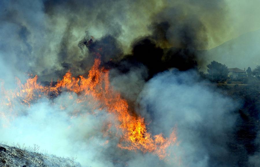 Юго-запад Калифорнии в огне из-за лесных пожаров (20 фото)