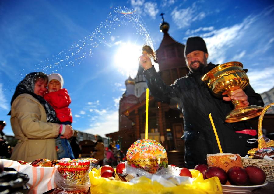Святая Пасха в городах России (20 фото)