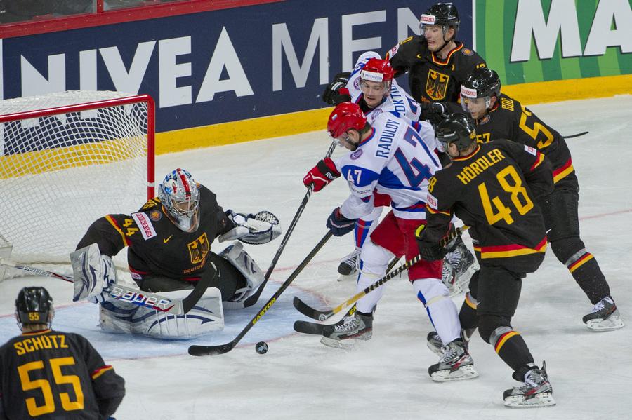 Чемпионат мира по хоккею: Германия — Россия, 1:4 (15 фото)