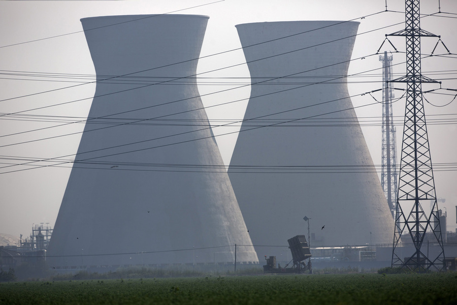 Израиль. Хайфа. 6 мая. Батареи ПРО «Железный купол». (EPA/ИТАР-ТАСС/JIM HOLLANDER)