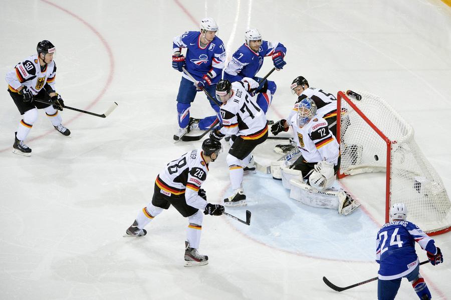 Чемпионат мира по хоккею: Франция — Германия, 2:3 (9 фото)