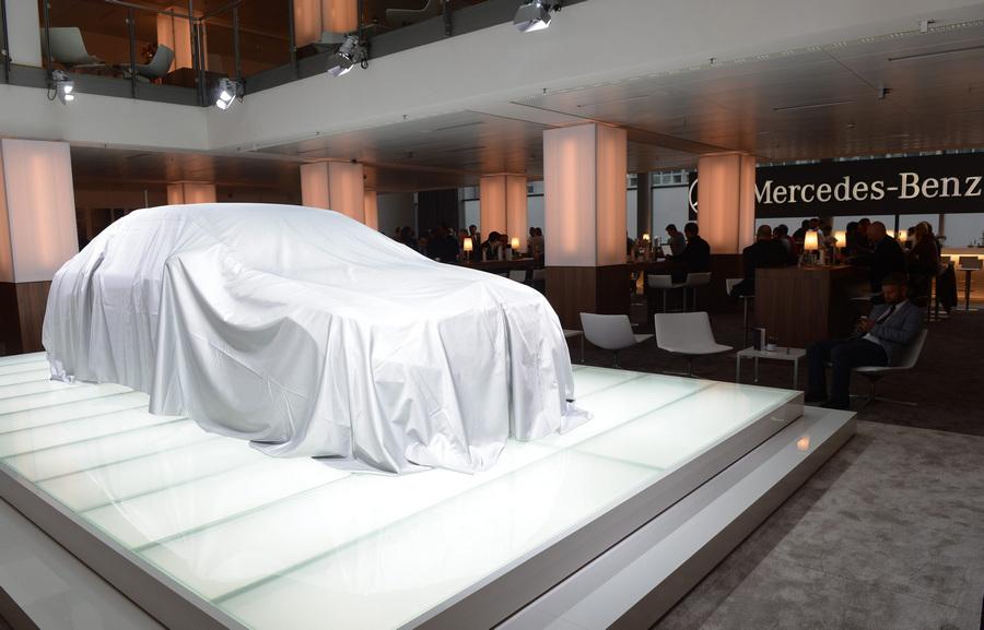 Германия. Гамбург. 15 мая. На презентации нового седана Mercedes-Benz S-Class. (EPA/ИТАР-ТАСС/MARCUS BRANDT)