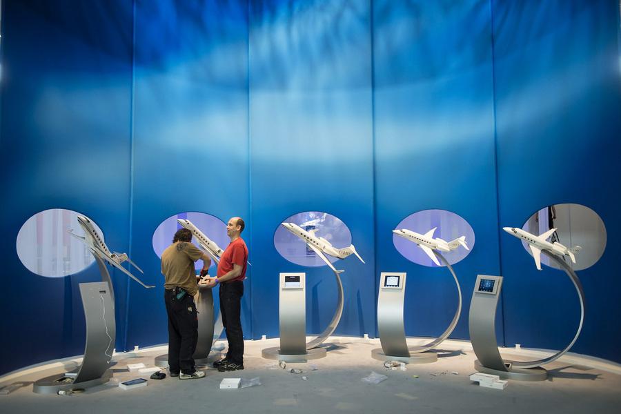 Выставка европейской бизнес-авиации EBACE 2013 (18 фото)