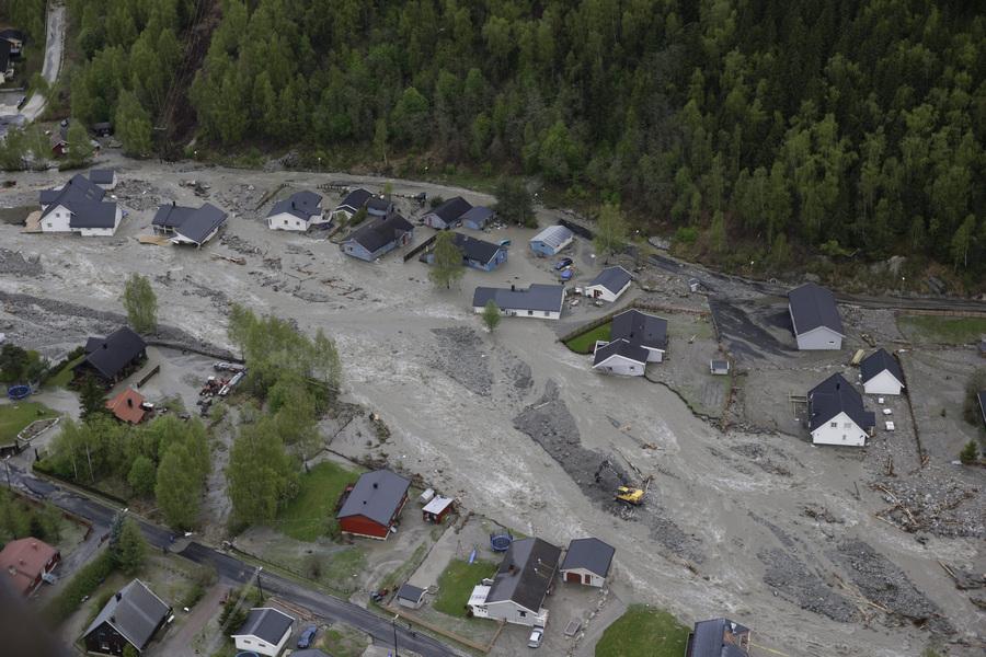 Последствия проливных дождей в Норвегии (3 фото)
