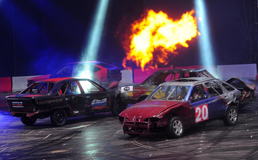 «Hard Derby. Автобои на выживание» в Москве (7 фото)