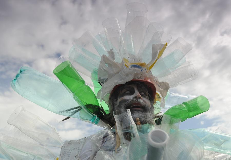 Открытие выставки Михаила Шемякина «Тротуары Парижа» в Санкт-Петербурге (12 фото)