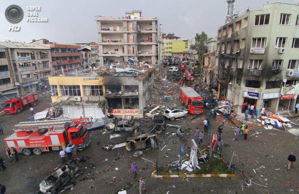 Турция. Рейханлы, Хатай. 12 мая. Разрушения, вызванные взрывами. (EPA/ИТАР-ТАСС/ORHAN CICEK/ANADOLU AGENCY)