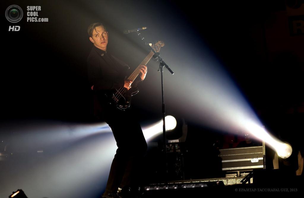 Польша. Варшава. 14 мая. На концерте британской группы The xx. (EPA/ИТАР-ТАСС/RAFAL GUZ)