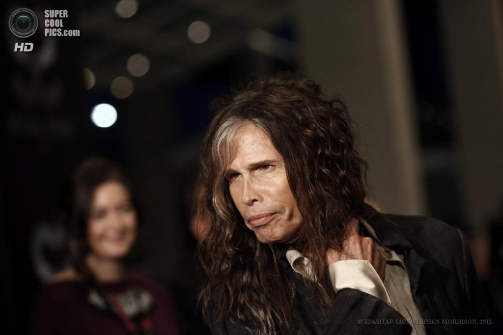 Сингапур. 23 мая. Фронтмен Aerosmith Стивен Тайлер на 5-й церемонии вручения премии Social Star Awards. (EPA/ИТАР-ТАСС/STEPHEN MORRISON)