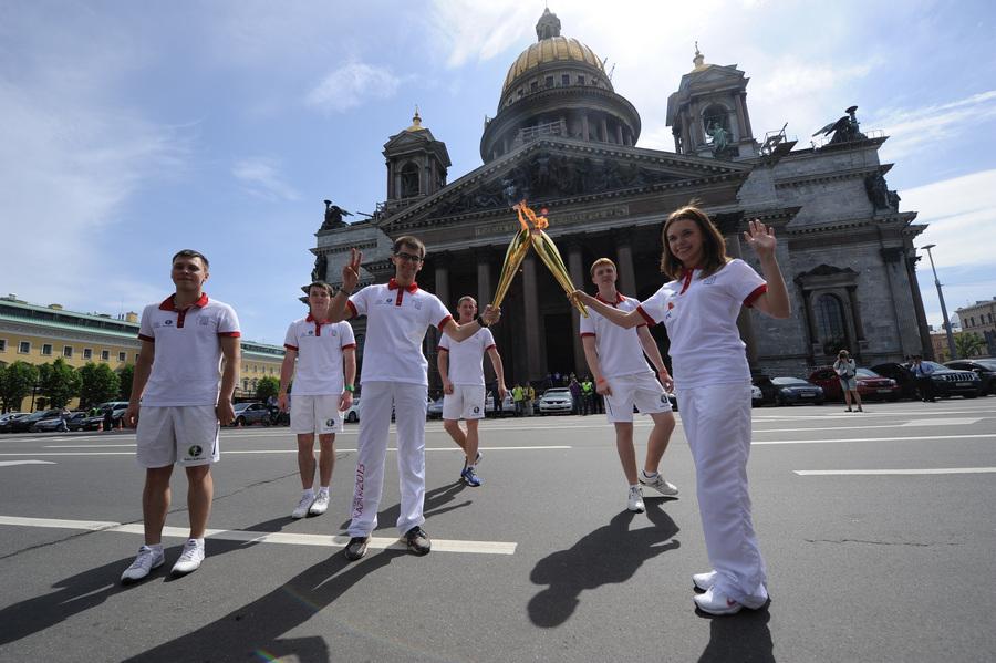 Огонь Универсиады-2013 прибыл в Санкт-Петербург