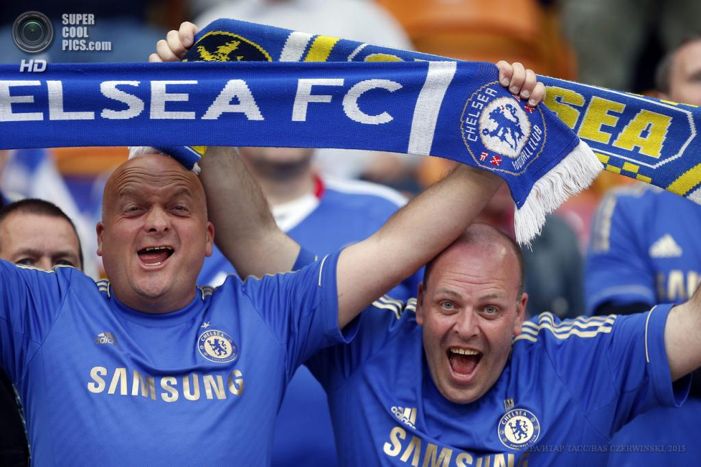 Нидерланды. Амстердам. 15 мая. Фанаты «Челси» на финале Лиги Европы УЕФА. (EPA/ИТАР-ТАСС/BAS CZERWINSKI)
