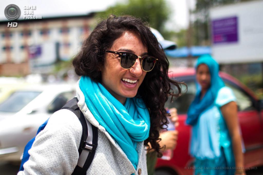 Непал. Катманду. 21 мая. Первая женщина из Саудовской Аравии, покорившая Эверест. (EPA/ИТАР-ТАСС/NARENDRA SHRESTHA)