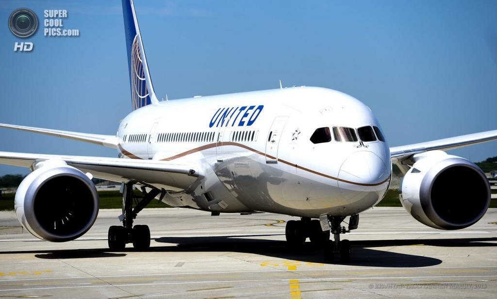 США. Чикаго, Иллинойс. 20 мая. Boeing 787 Dreamliner в Международном аэропорту О'Хара. (EPA/ИТАР-ТАСС/TANNEN MAURY)