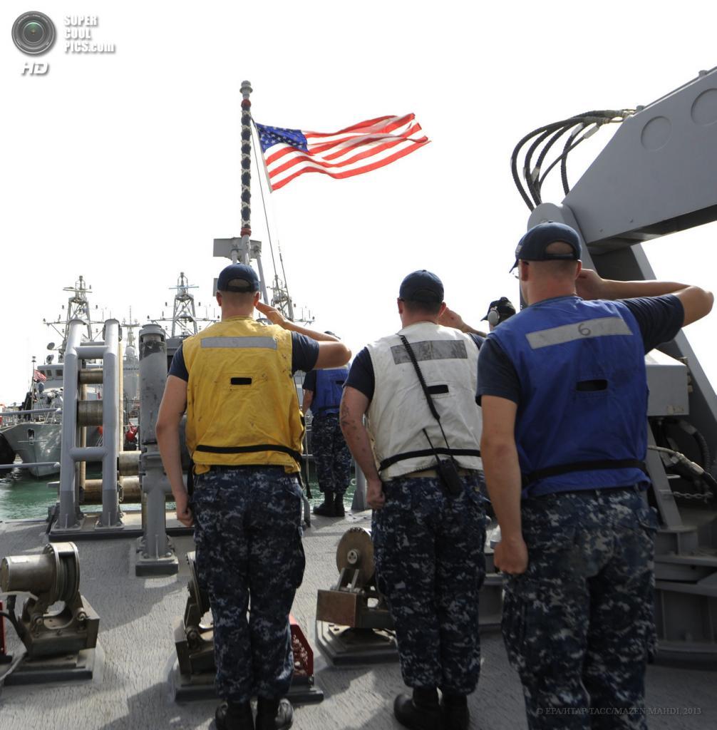 Бахрейн. Манама. 13 мая. Международные военные учения IMCMEX-13. (EPA/ИТАР-ТАСС/MAZEN MAHDI)