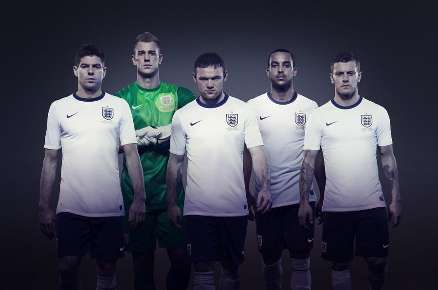 Новая домашняя форма сборной Англии по футболу