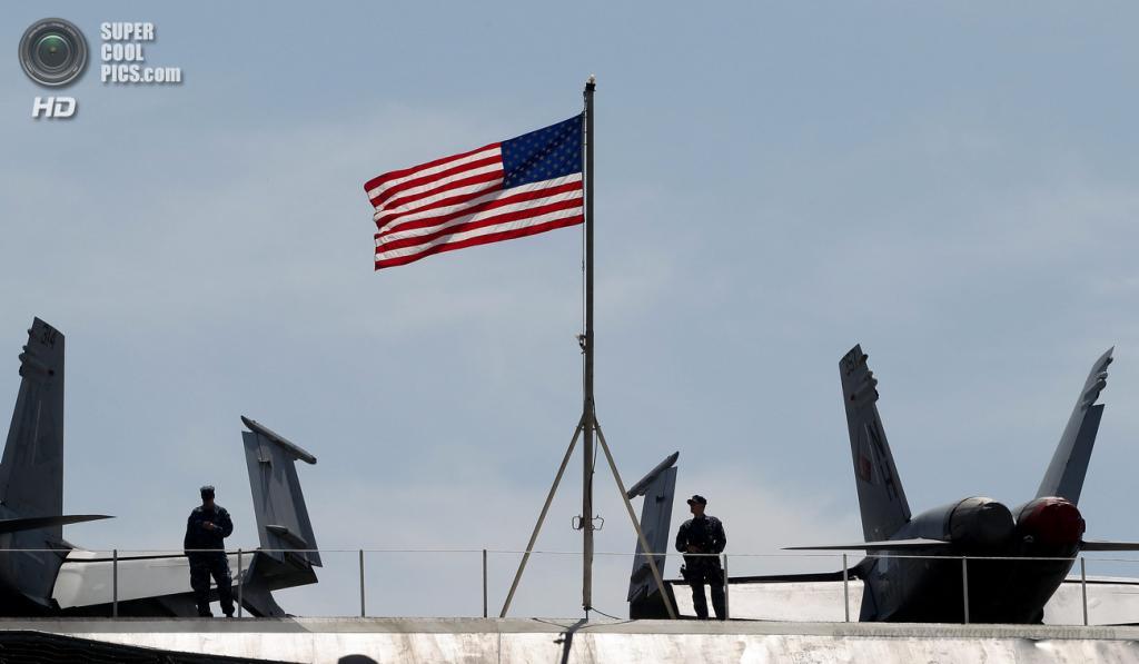 Южная Корея. Пусан. 13 мая. Атомный авианосец USS Nimitz, прибывший для участия в совместных военных учениях США и Южной Кореи. (EPA/ИТАР-ТАСС/JEON HEON-KYUN)
