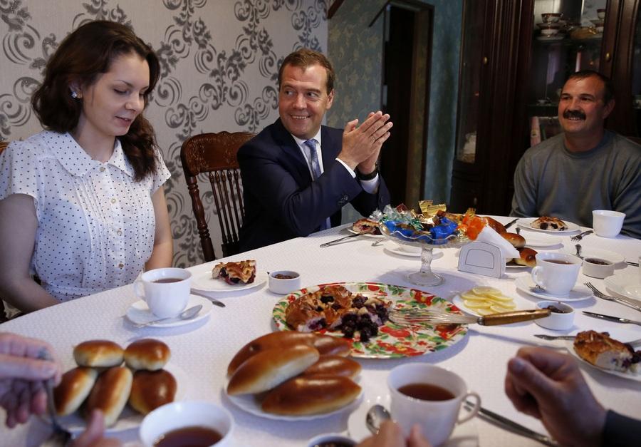 Дмитрий Медведев оценил социальное развитие сел Рязанской области (14 фото)