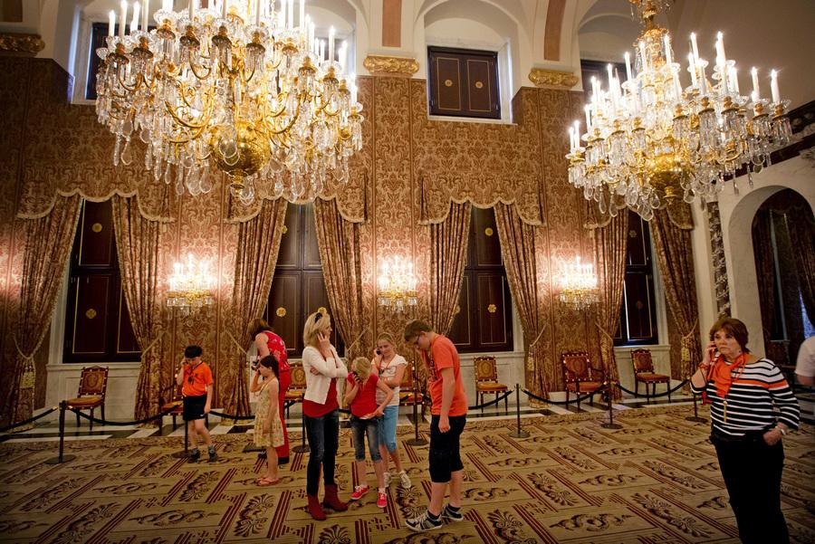 Королевский дворец в Амстердаме вновь открылся для посетителей