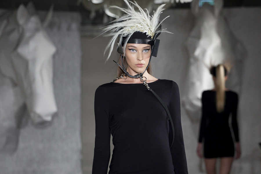 Показ новой коллекции шляп Константина Гайдая