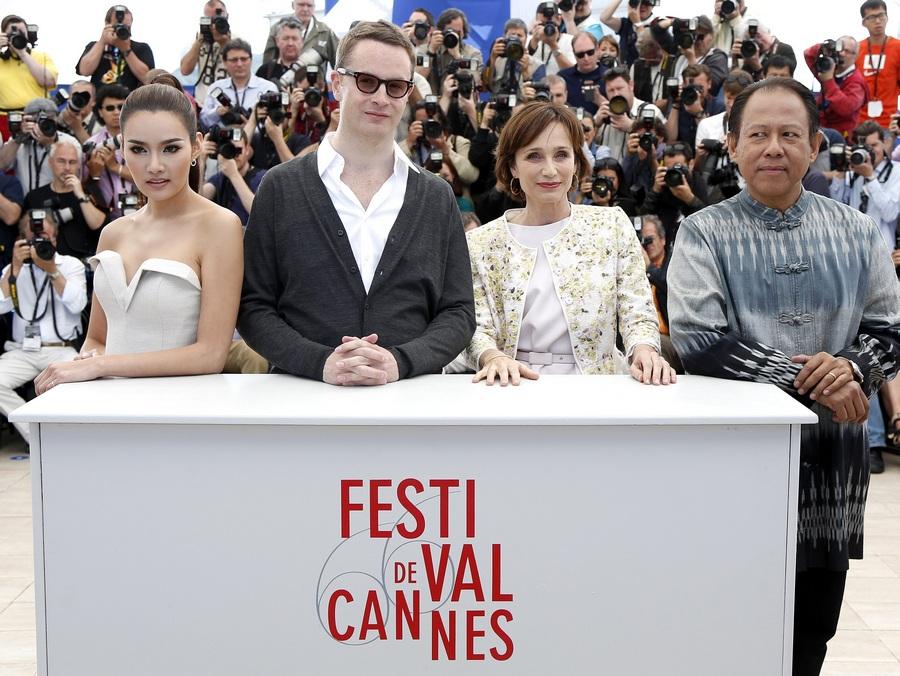 Фотосессия съемочной группы фильма «Только бог простит» на Каннском кинофестивале
