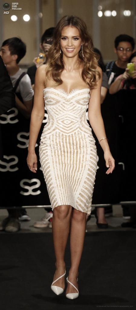 Сингапур. 23 мая. Американская актриса Джессика Альба на 5-й церемонии вручения премии Social Star Awards. (EPA/ИТАР-ТАСС/STEPHEN MORRISON)