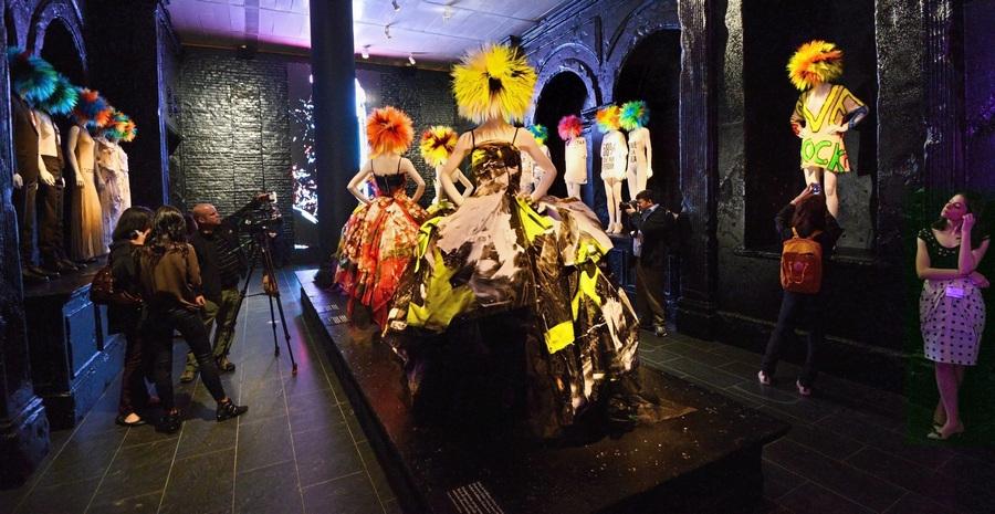"Выставка ""Панк: от хаоса до кутюра"" в нью-йоркском Метрополитен-музее"