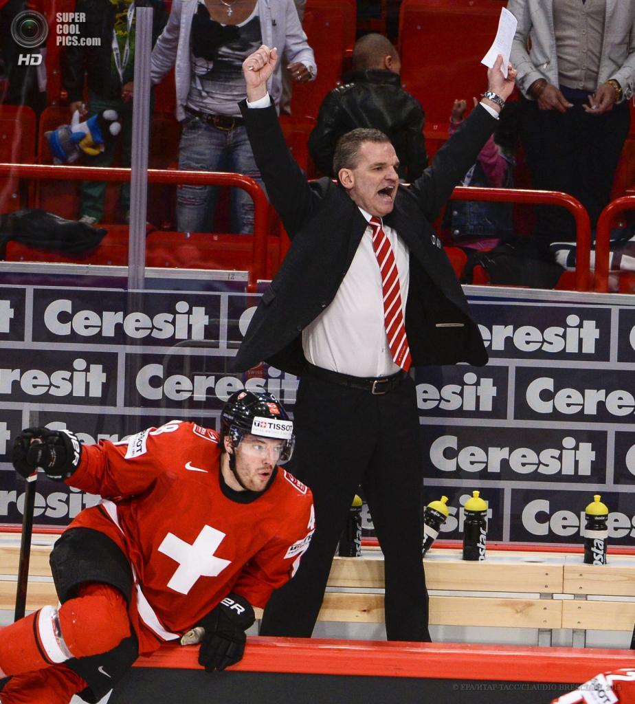 Швеция. Стокгольм. 16 мая. Матч 1/4 финала чемпионата мира по хоккею с шайбой между сборными Швейцарии и Чехии. (EPA/ИТАР-ТАСС/CLAUDIO BRESCIANI)