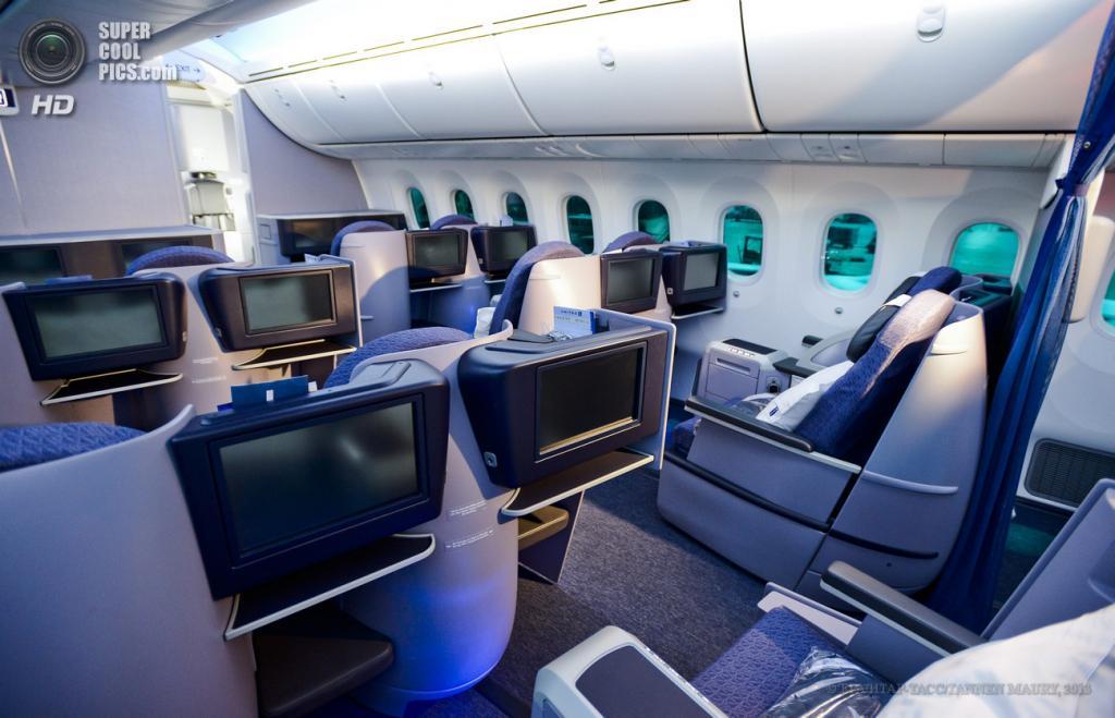 США. Чикаго, Иллинойс. 20 мая. В салоне Boeing 787 Dreamliner. (EPA/ИТАР-ТАСС/TANNEN MAURY)