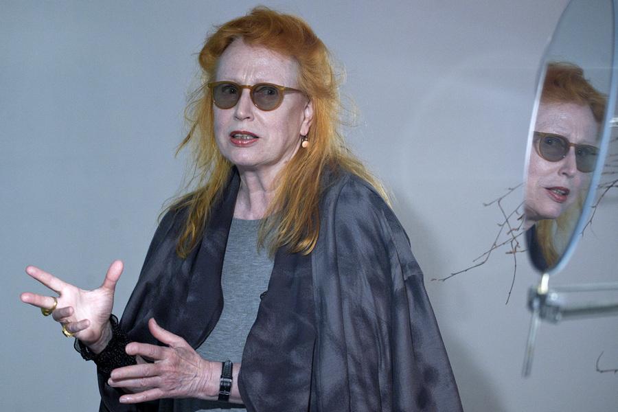 Открытие выставки «Меланхоличный торнадо» художницы Ребекки Хорн в Москве