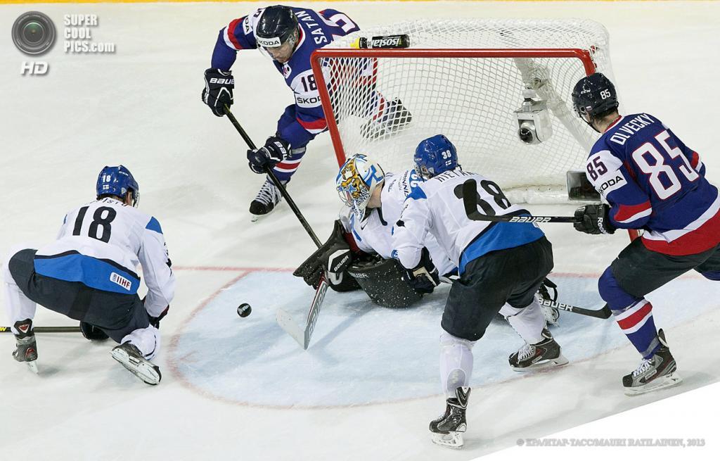 Финляндия. Хельсинки. 16 мая. Матч 1/4 финала чемпионата мира по хоккею с шайбой между сборными Финляндии и Словакии. (EPA/ИТАР-ТАСС/MAURI RATILAINEN)