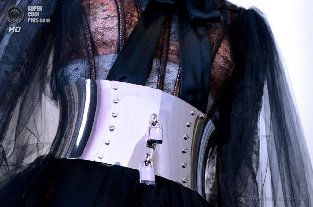 США. Нью-Йорк. 6 мая. Платье и ремень Dolce & Gabbana. (EPA/ИТАР-ТАСС/PETER FOLEY)