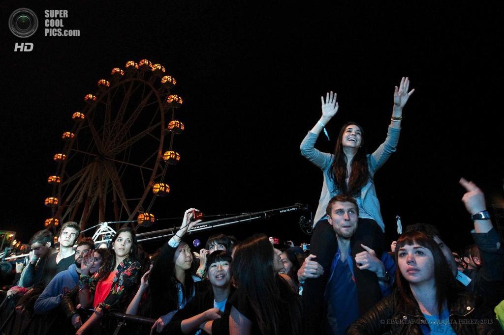 Испания. Барселона, Каталония. 23 мая. На музыкальном фестивале Primavera Sound 2013. (EPA/ИТАР-ТАСС/MARTA PEREZ)